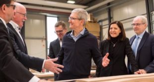 tim-cook-alemania-mesas-apple-store