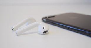 AirPods-iPhone-3-4